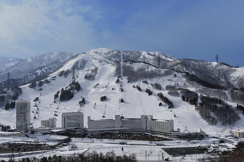 日本滑雪攻略-湯澤苗場王子飯店滑雪場