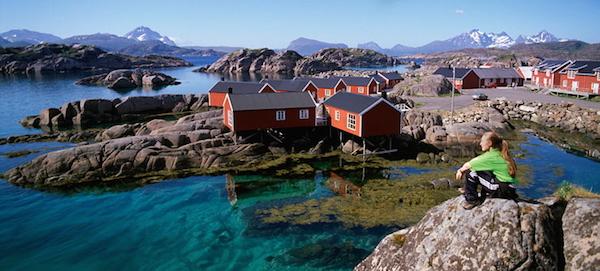 fishermans-cabins-Mortsund-lofoten-norway-740
