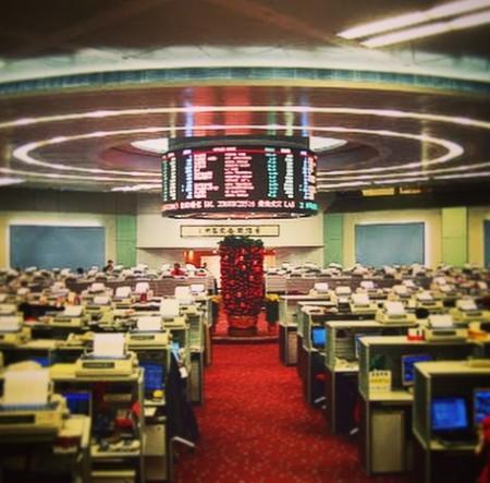 hong-kong-stocks-e1445217790793